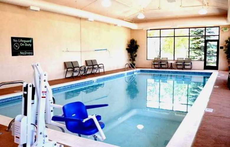 Hampton Inn Denver-International Airport - Pool - 4