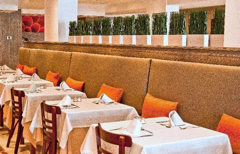 BQ Augusta - Restaurant - 27