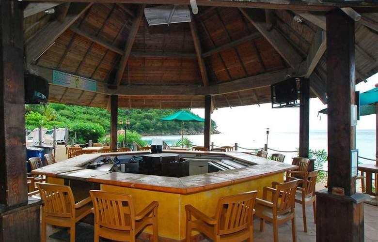 Best Western Emerald Beach Resort - Bar - 79