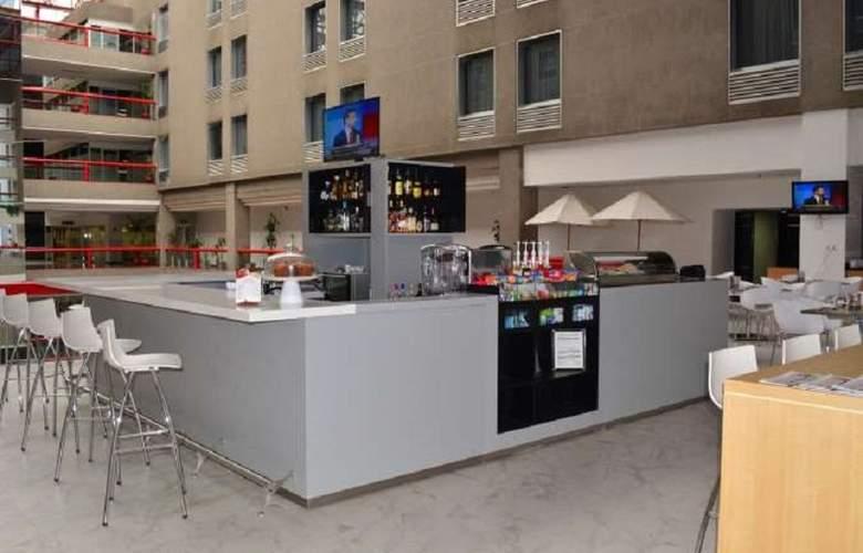Fiesta Inn Tlalnepantla - Bar - 4
