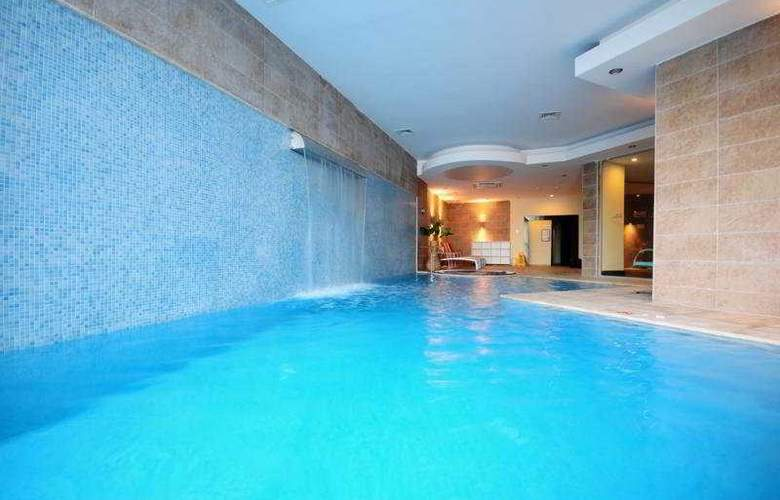 Istanbul Palace - Pool - 4