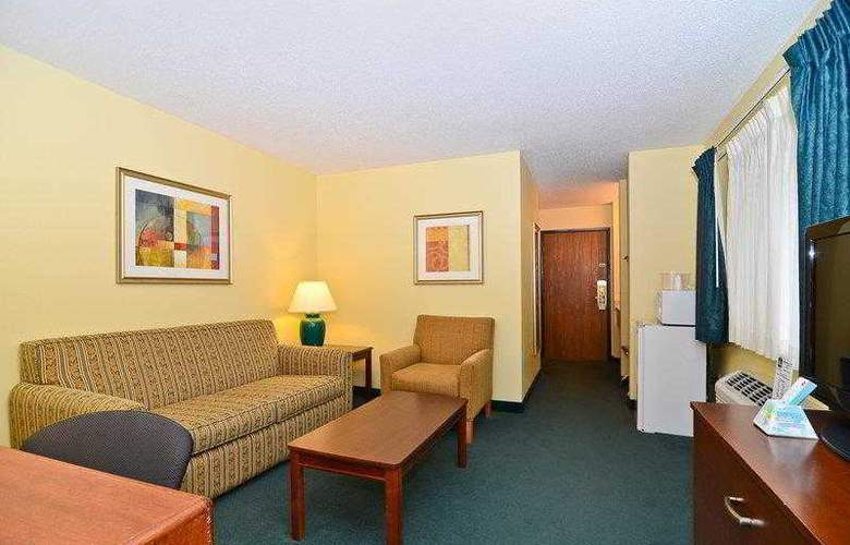 Best Western Ambassador Inn & Suites - Hotel - 23