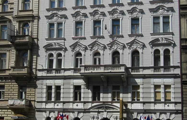 Pension Brezina - Hotel - 0