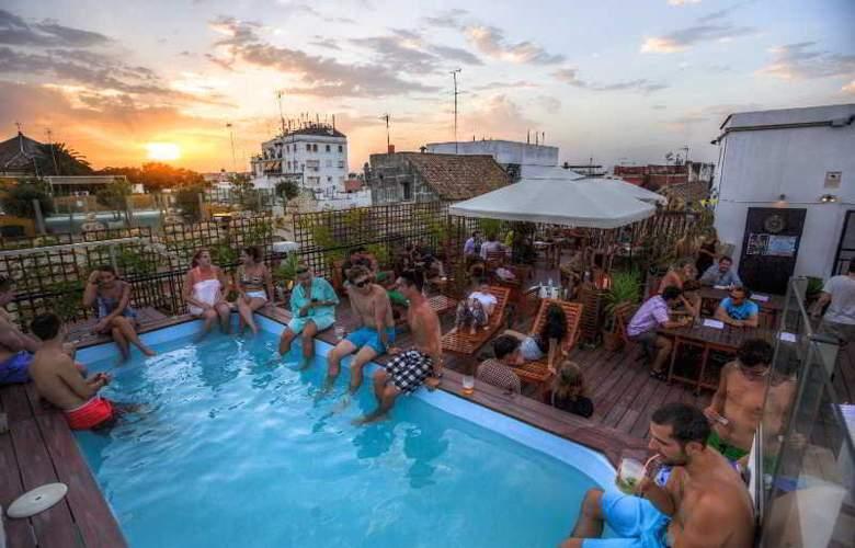 Oasis Backpackers Palace Sevilla - Pool - 12