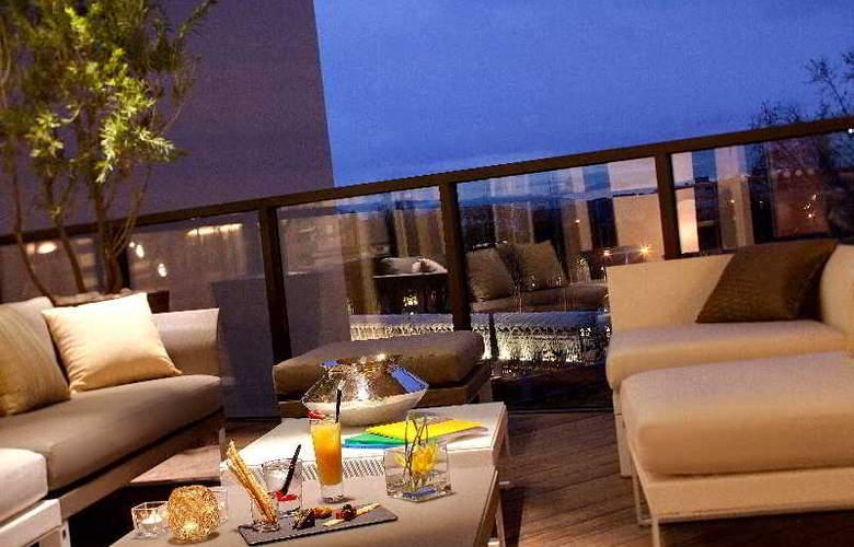 Hotel Renaissance Aix En Provence - Terrace - 19