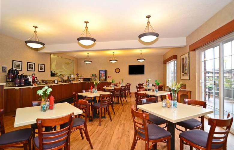 Best Western Plus Park Place Inn - Restaurant - 139