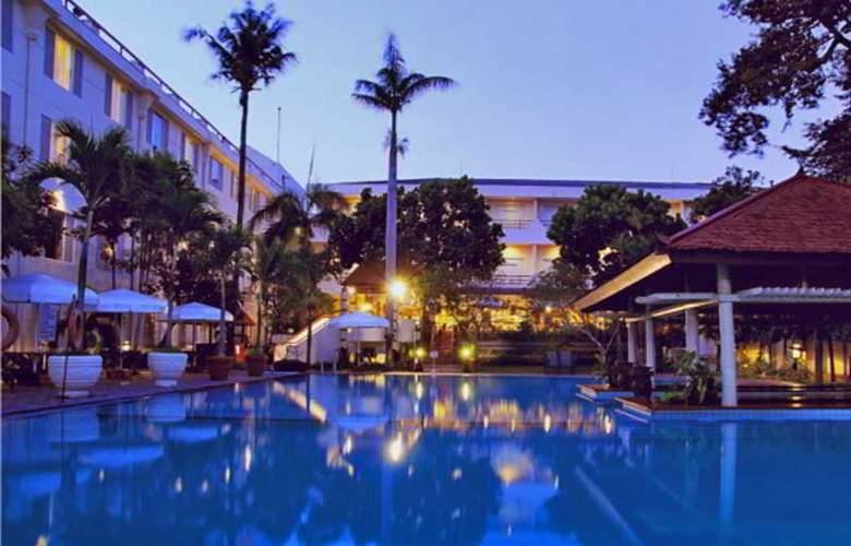 Saphir Yogyakarta - Pool - 14