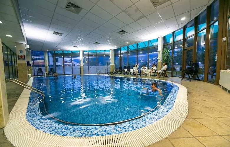 Spa Hotel Devin - Pool - 16