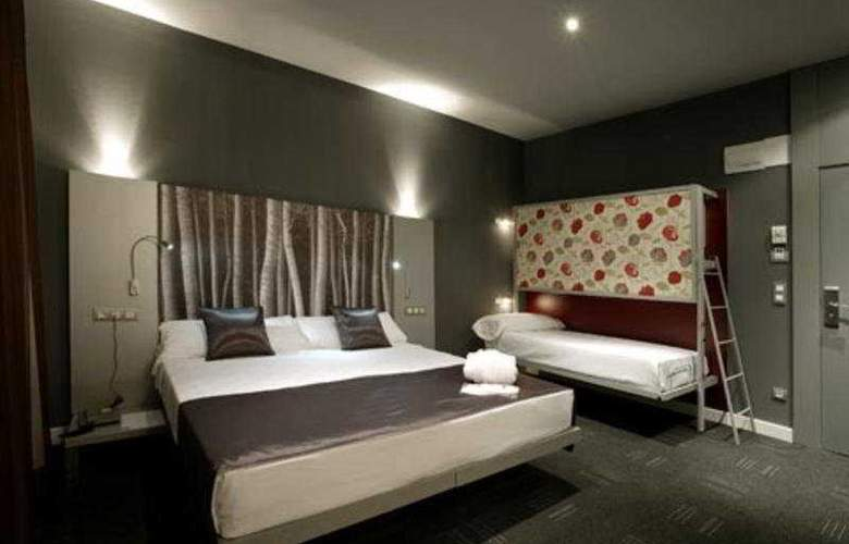 ICON Wipton by Petit Palace - Room - 4