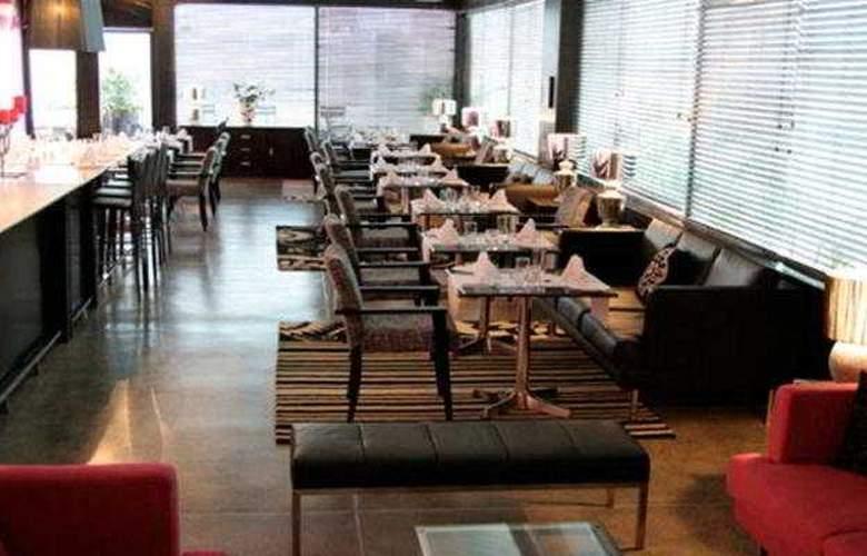 Seven Hotel - Restaurant - 9