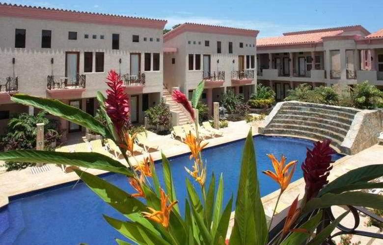 Las Sirenas Hotel & Condos - Pool - 4