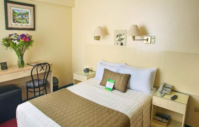 Embajadores Hotel - Room - 8