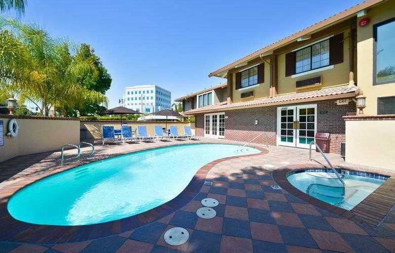 Best Western Plus Mountain View Inn - Hotel - 21