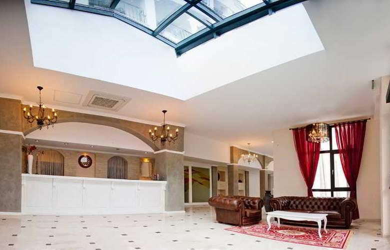 White Rock Castle, Suite hotel - General - 11