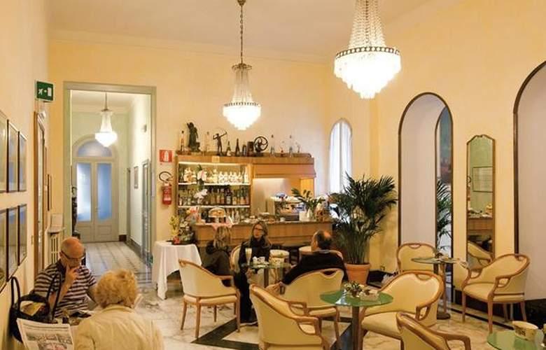 Miramare Continental Palace - Hotel - 1