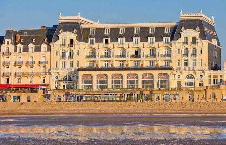 Le Grand Hôtel Cabourg - Hotel - 1