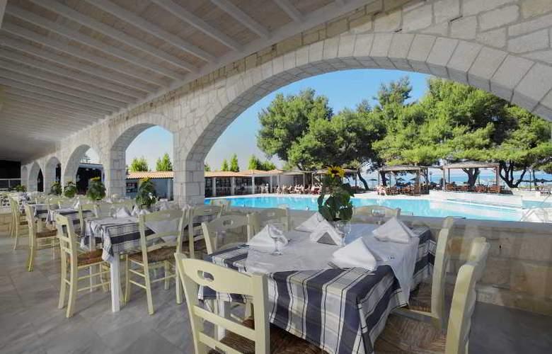 Portes Beach - Restaurant - 16