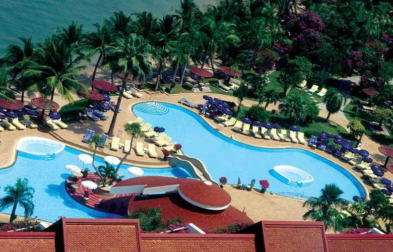 Royal Wing Suites and Spa - Pool - 6