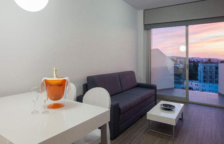 AxelBeach Ibiza Suites Apartments Spa and Beach Club - Adults Only - Room - 31