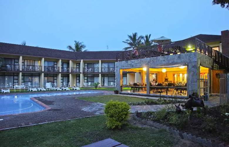 Elephant Lake Hotel - Restaurant - 11