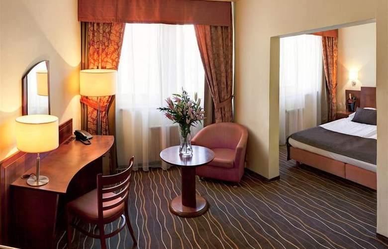 Luxury Family Hotel Bílá Labut - Room - 67