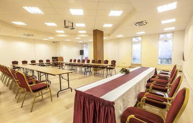 Premium Apartment House - Conference - 3
