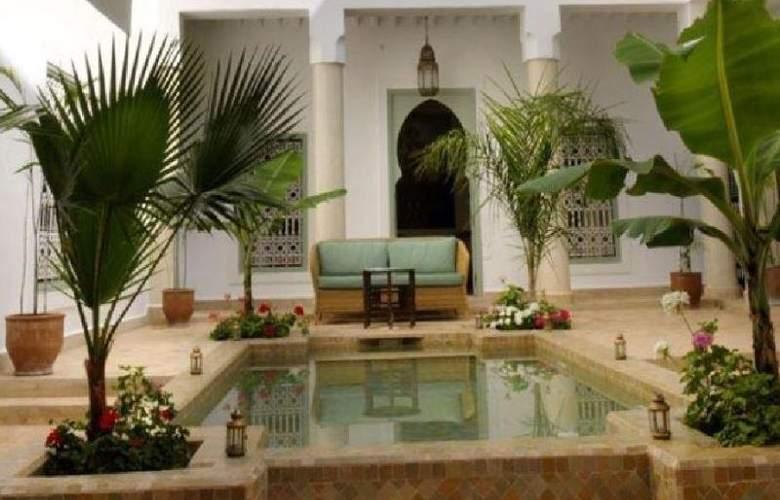 Riad Les Hibiscus - Hotel - 5