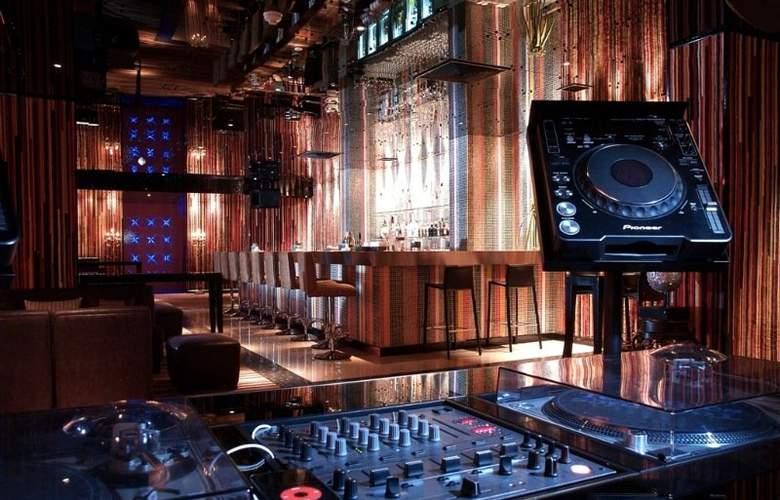 Dream Hotel Bangkok - Bar - 4