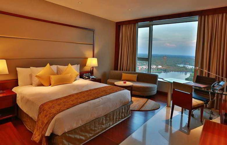 Crowne Plaza Kochi - Room - 9