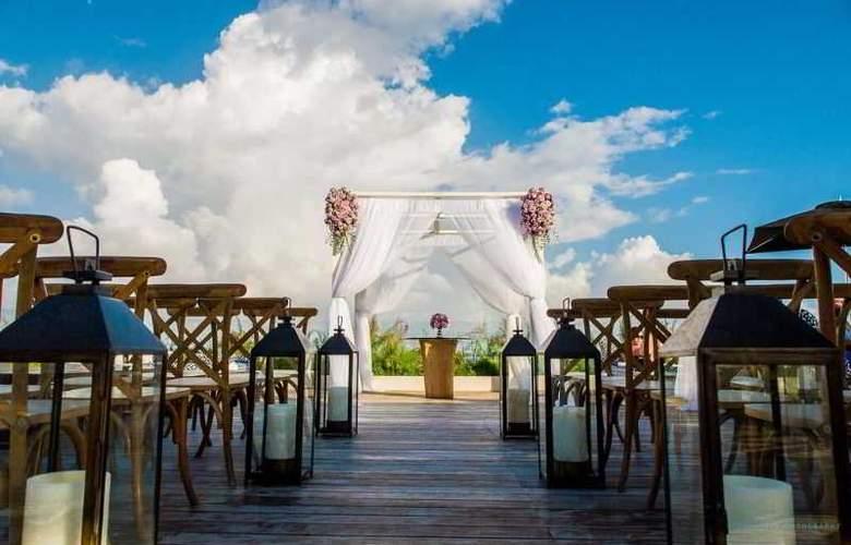 Live Aqua Boutique Resort Playa del Carmen - Terrace - 6