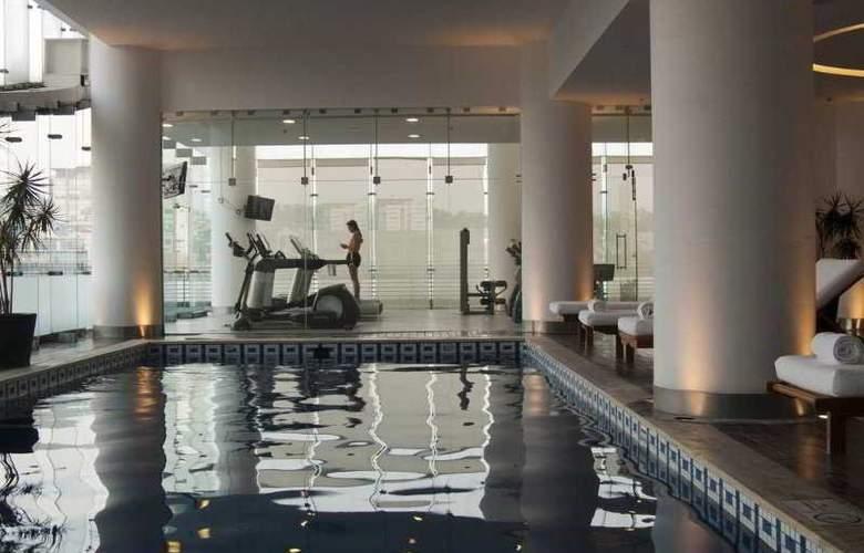 DoubleTree by Hilton Hotel México City Santa Fe - Pool - 32