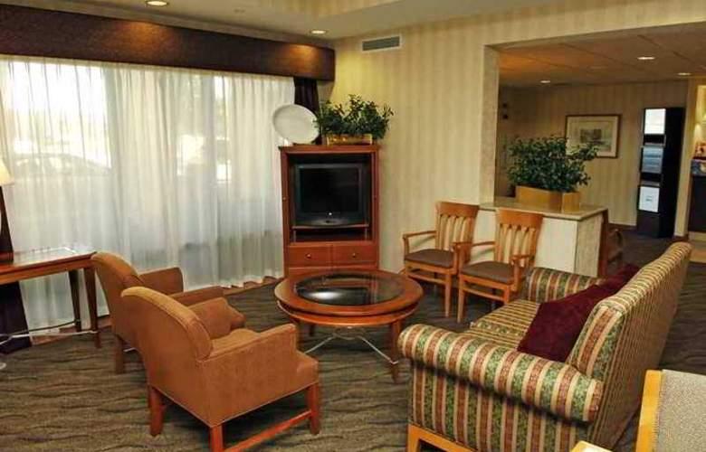 Hampton Inn Green Bay - Hotel - 1