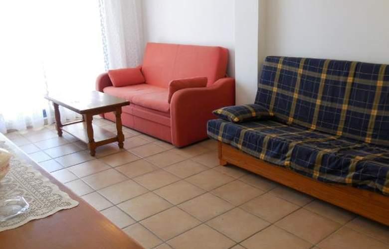 Font Nova 3000 - Room - 6