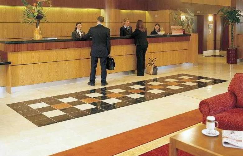Jurys Inn Manchester - Hotel - 0