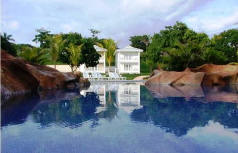The Sanctuary Resort & Spa - Pool - 3