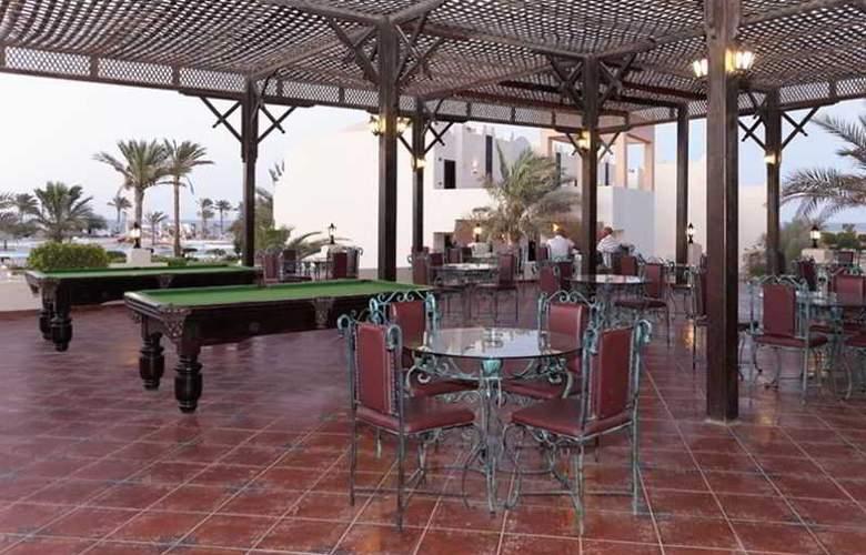 Three Corners Sea Beach Resort - Bar - 27