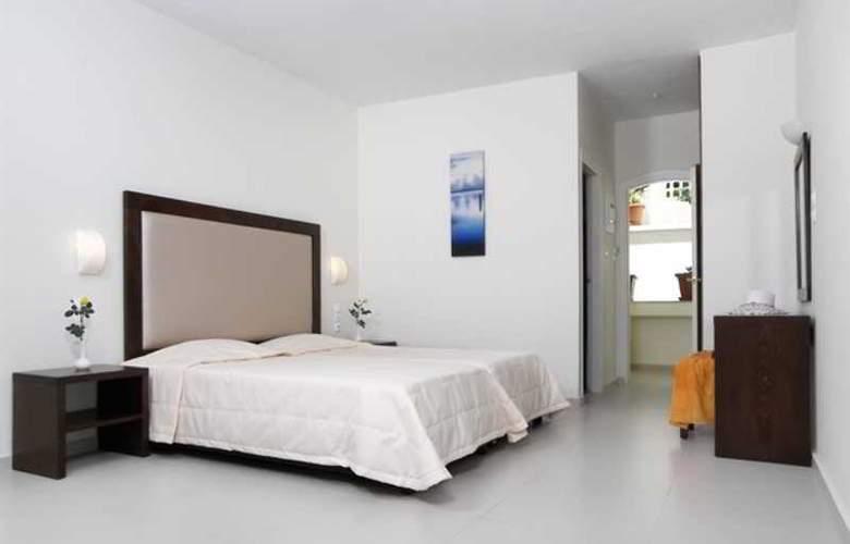 Troulis - Room - 4