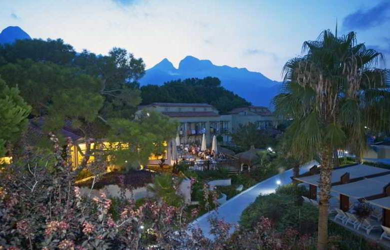 Crystal Flora Beach Resort - Hotel - 10