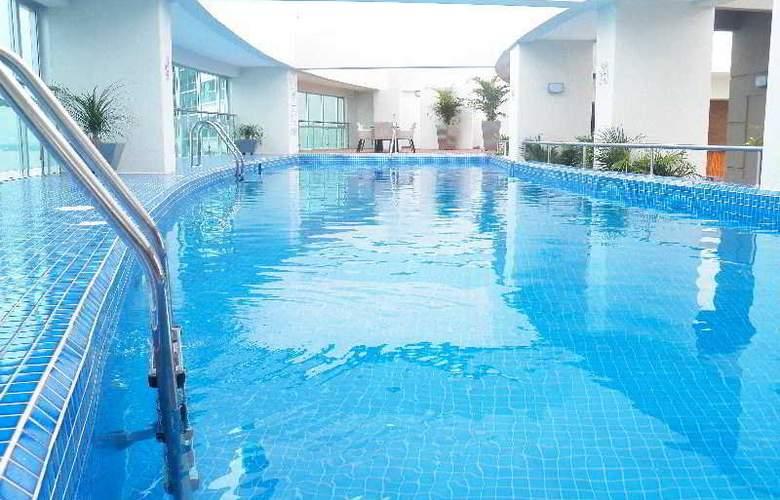 Wyndham Guayaquil - Pool - 11