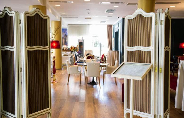 Diplomat Fashion - Restaurant - 2