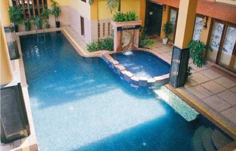 Castle Hotel - Pool - 5