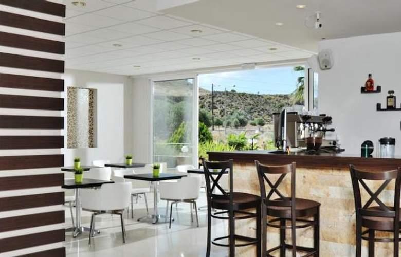 Olive Garden - Bar - 9
