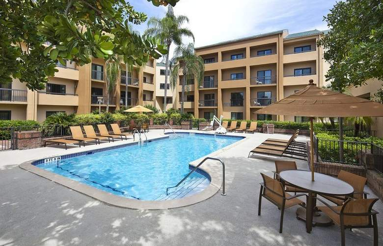 Courtyard Miami Airport West Doral - Pool - 2
