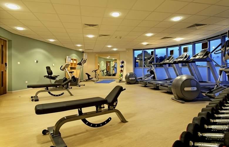 Hilton Garden Inn Dublin Custom House - Sport - 3