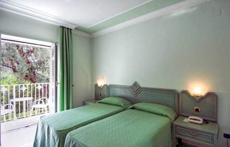 Grand hotel Riviera - Room - 0
