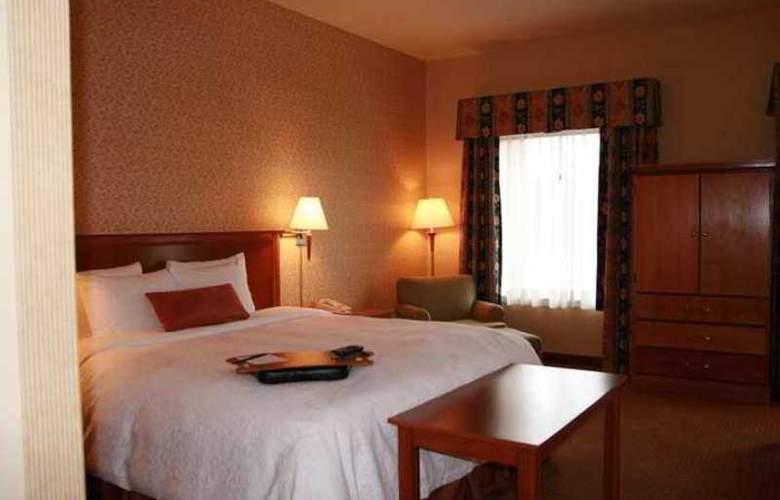 Hampton Inn & Suites Montreal - Hotel - 16