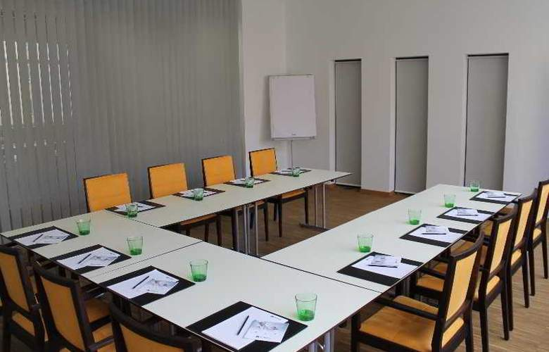 Zeitgeist Vienna Hauptbanhof - Conference - 3