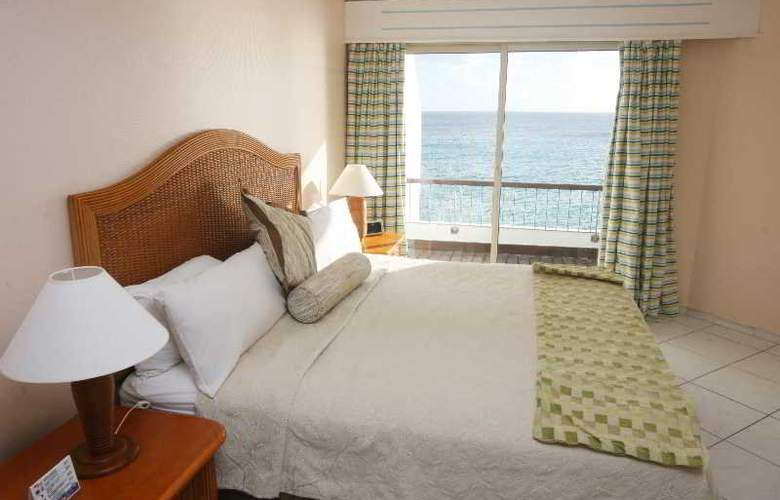 Sapphire Beach Club & Resort - Hotel - 0