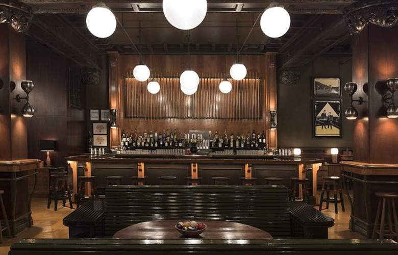Chicago Athletic Association - Bar - 3