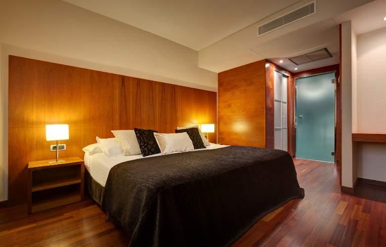Acevi Villarroel - Room - 4